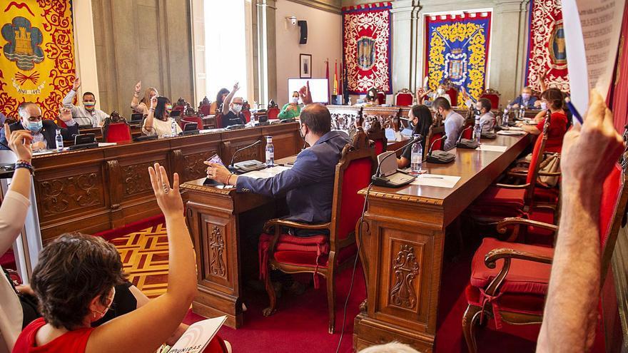El Pleno solicita a Adif crear una línea de cercanías que conecte Cartagena y Murcia
