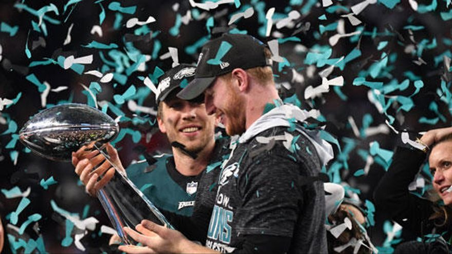 Filadelfia Eagles gana la Super Bowl al destronar a New England Patriots