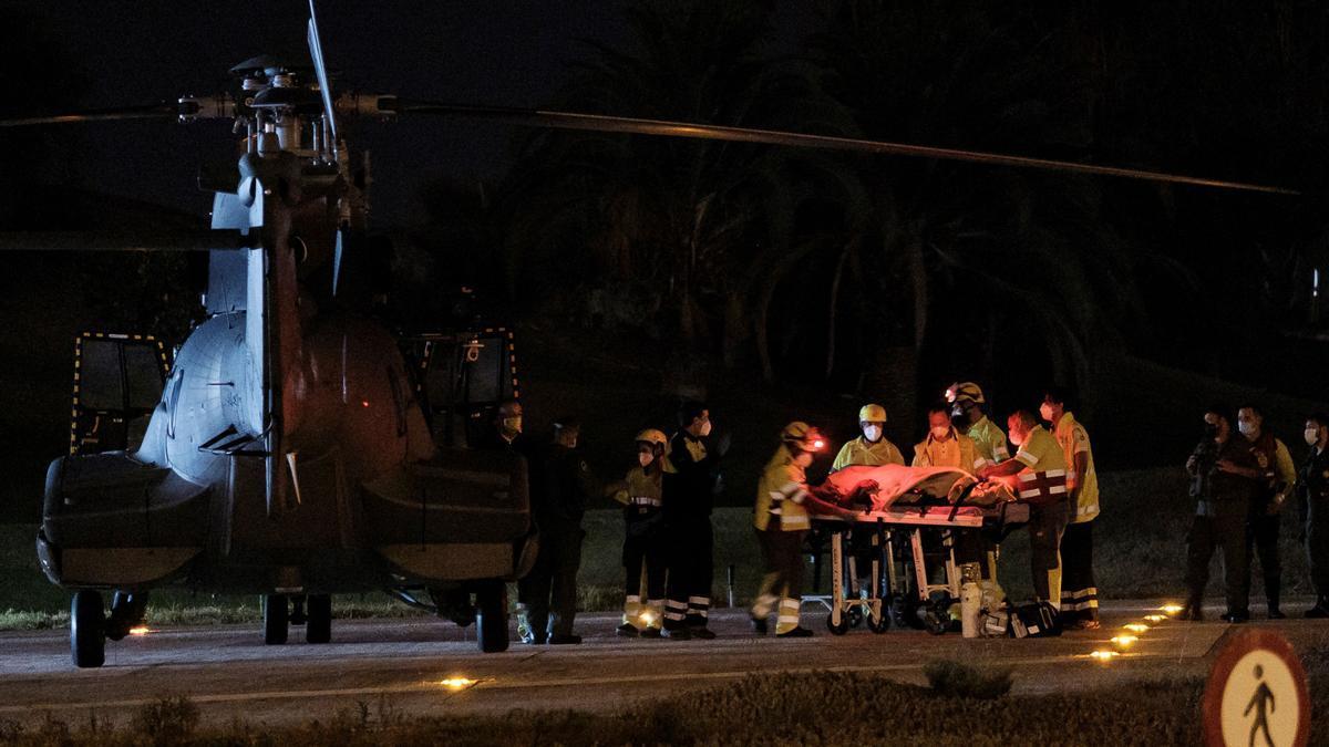 Un helicóptero del SAR al Hospital de Gran Canaria Doctor Negrín