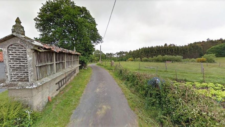 """Una parroquia de Aranga pide ayuda contra """"trece aerogeneradores en seis kilómetros"""""""
