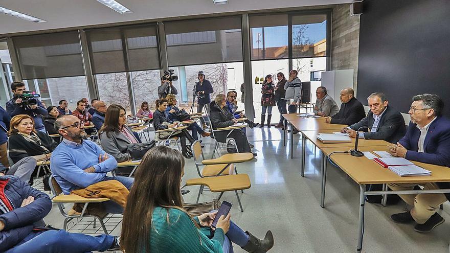 Educación permite a institutos de la Vega Baja dar menos Valenciano que el que exige el plurilingüismo
