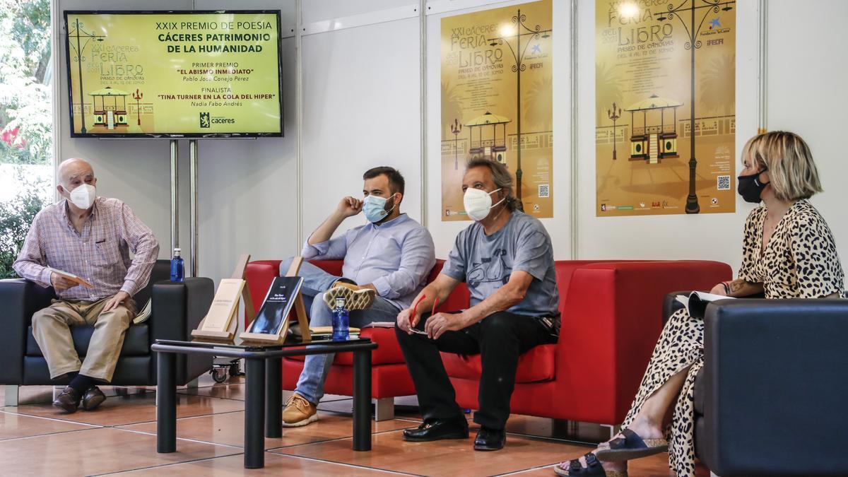 Un momento, durante la presentación de los ganadores del premio del certamen de poesía Cáceres Patrimonio.