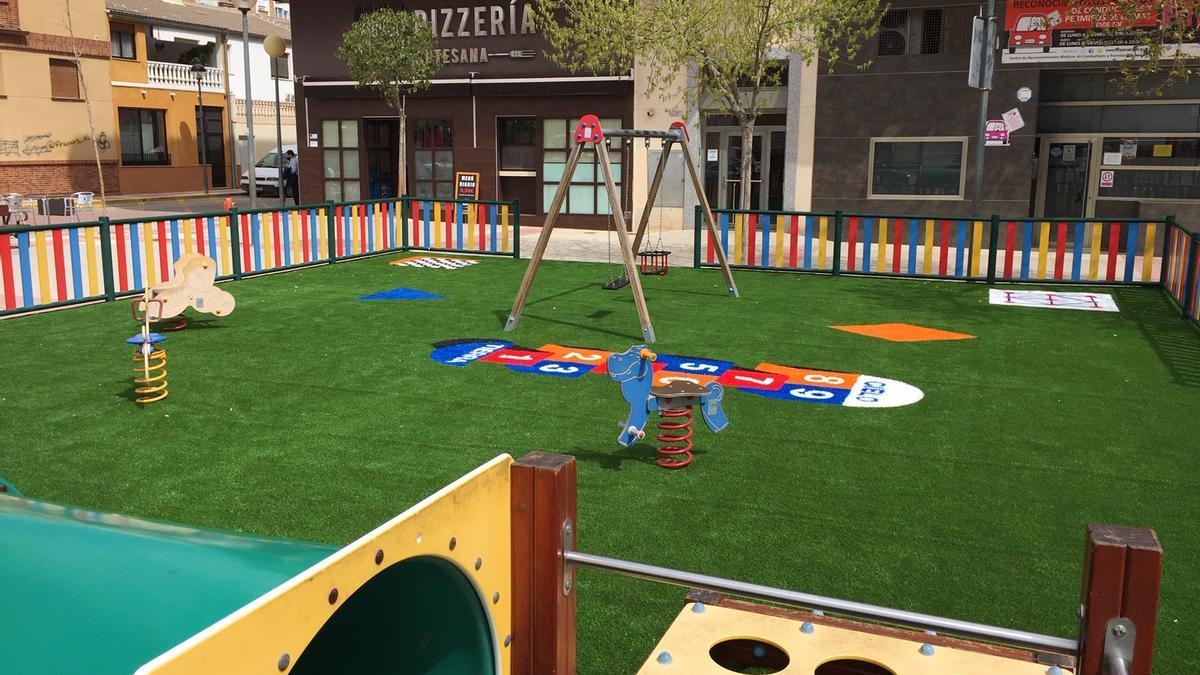 Mejora en parques infantiles de Jumilla