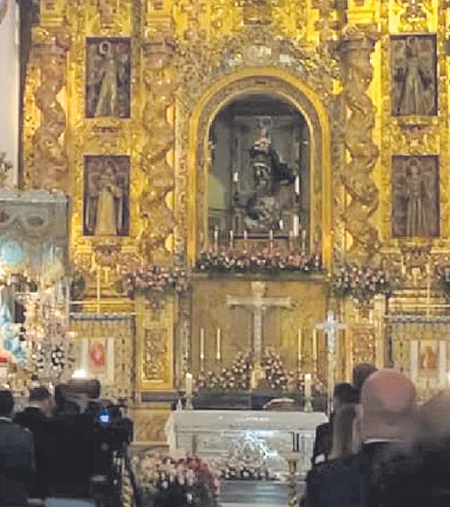 Lorca se entrega a la Virgen de los Dolores