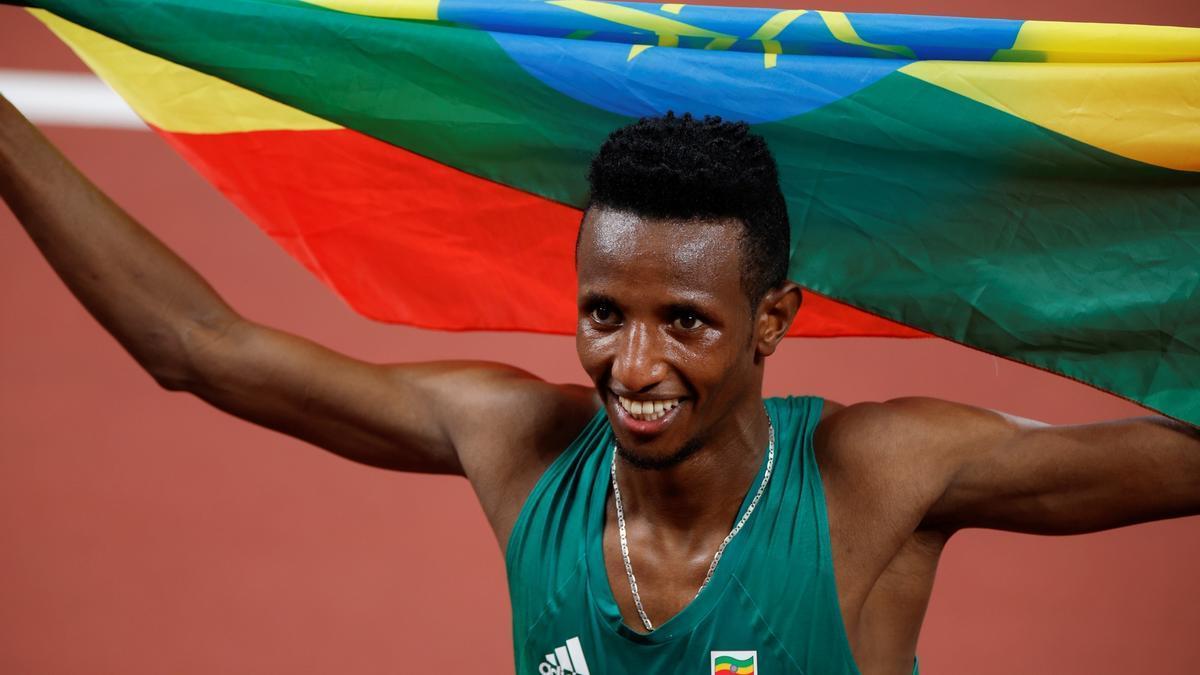 Barega gana para Etiopía el primer oro del atletismo.