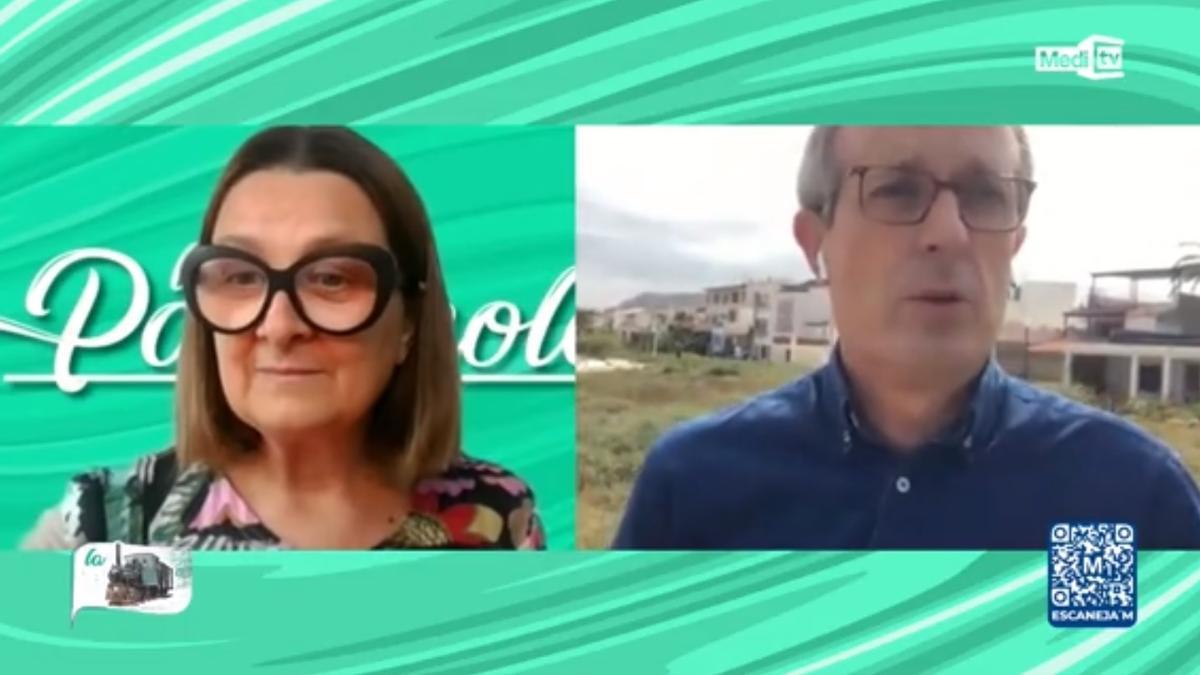 Captura de la entrevista que le hizo la periodista Loles García al presidente de la asociación de vecinos de Torre la Sal en 'La Panderola', en Medi TV.
