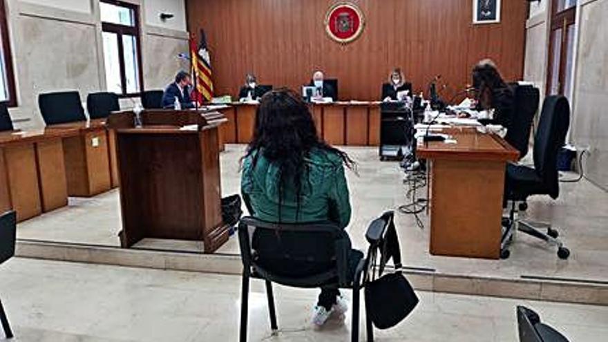 Acepta tres años de cárcel por pasar droga a su novio durante un vis a vis en la prisión de Palma