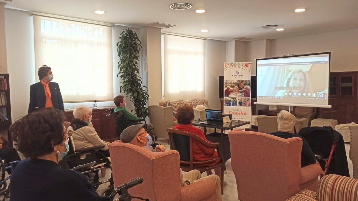 Encuentro virtual con los residentes de Ballesol Burjassot.