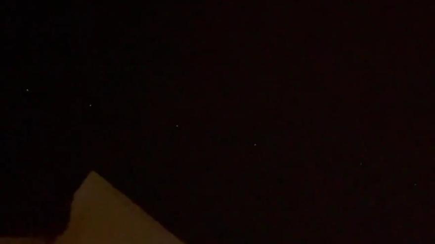 Unas extrañas luces aparecen en el cielo de Valencia