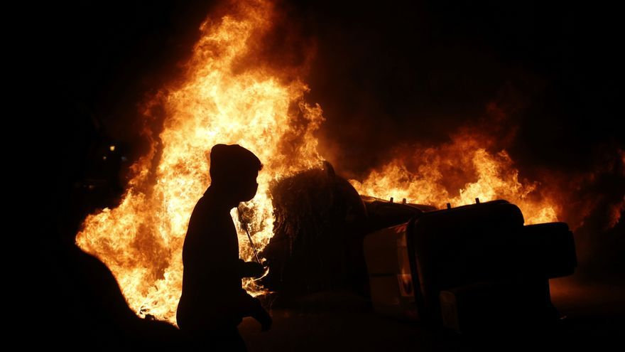 Saqueos y ataques a bancos en la cuarta jornada de protestas por Hasél