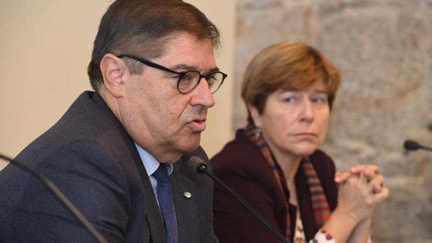 Julio Abalde presenta su candidatura a la reelección como rector de la UDC