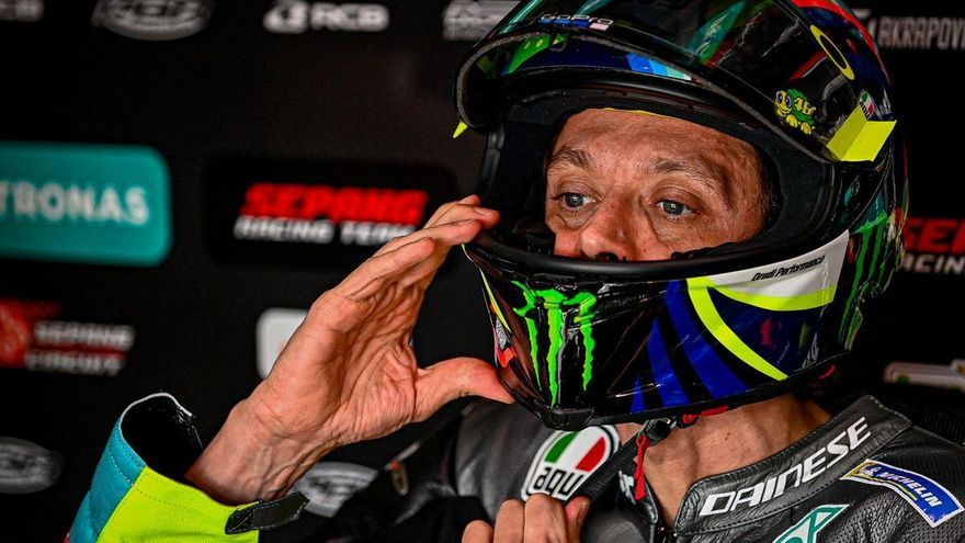 Rossi llega a casa en horas bajas