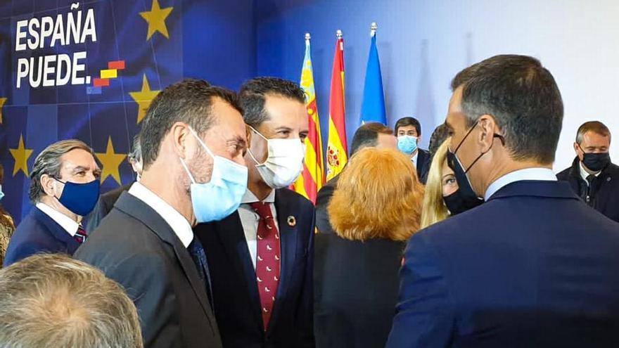 El alcalde de Elda asiste en València a la presentación del Plan Nacional de Recuperación del presidente del Gobierno