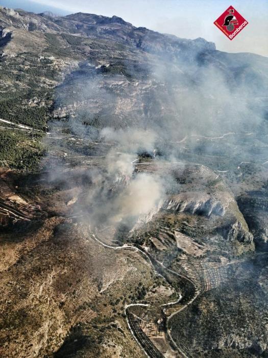 Los incendios en la Marina Alta, en imágenes