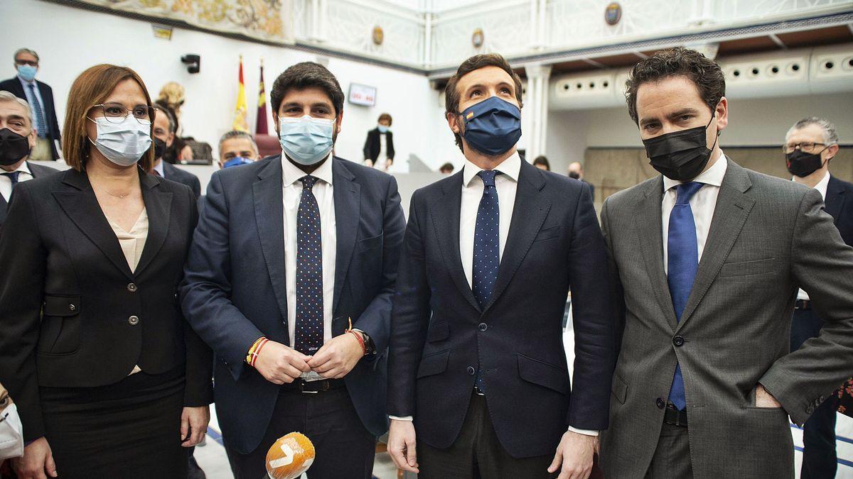 Isabel Franco, Fernando López Miras, Pablo Casado y Teodoro García.
