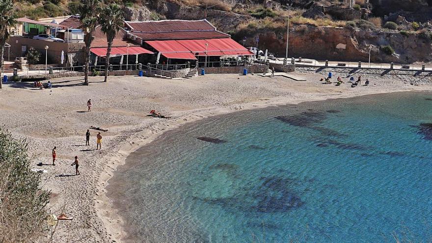 El Ayuntamiento declara de Interés Turístico Local las bodas en la playa