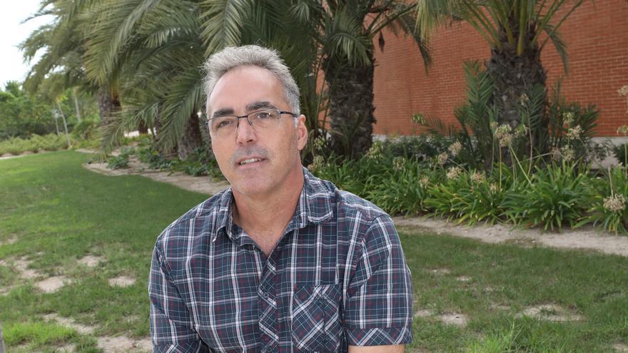 José Navarro Pedreño: «El problema del covid-19 es que no están definidas las vías de transmisión»
