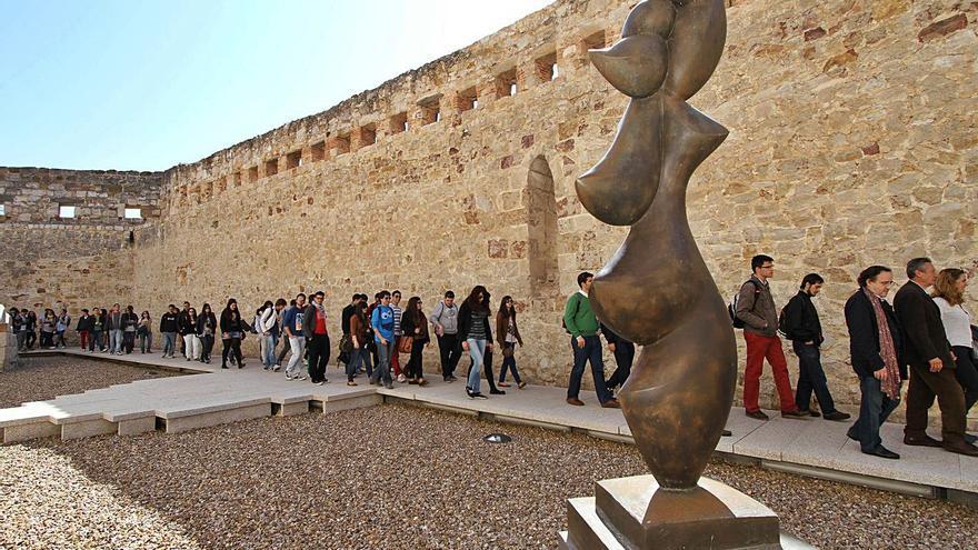 Una coraza para el escultor zamorano Baltasar Lobo