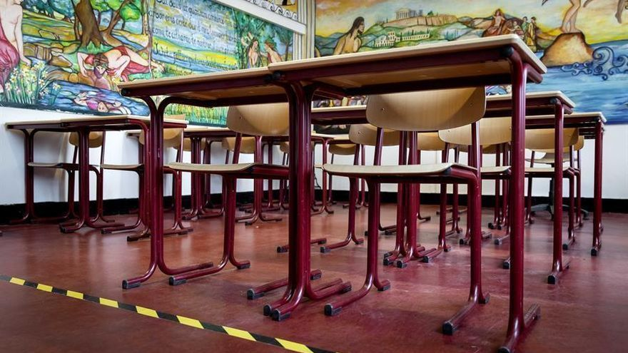 Descienden a 61 las aulas con enseñanza telemática en Extremadura