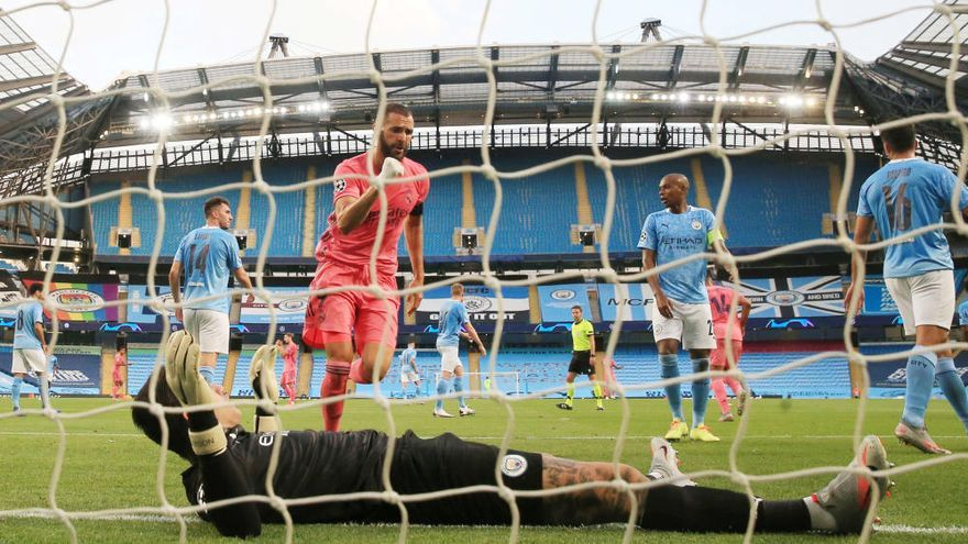 Els errors de Varane deixen estabornit un Madrid que torna a cedir amb el City