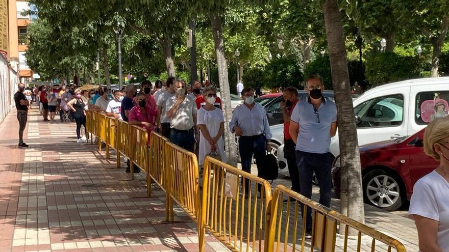 Colas desde las 6.00 de la mañana para conseguir una entrada para los toros en Castelló
