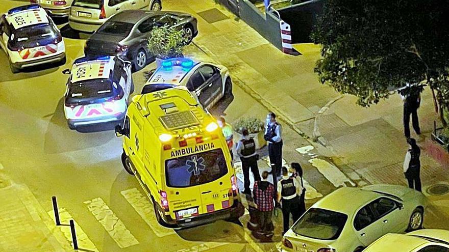 Una baralla al carrer a Figueres acaba amb un ferit amb un tall a la boca