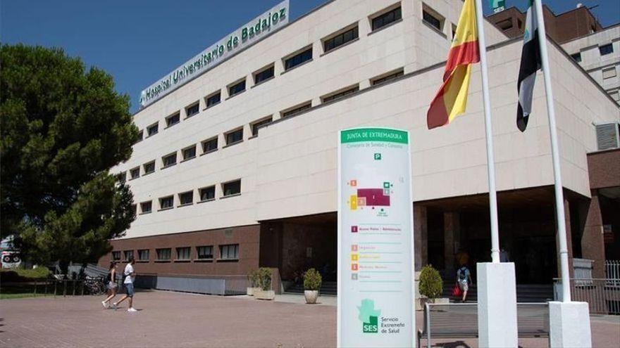 Un trabajador de Fuentes de León se encuentra en estado crítico al caer desde varios metros de altura