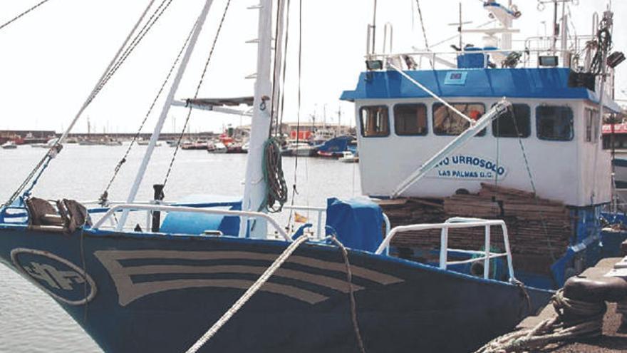 La flota atunera de Lanzarote amarra ante sus pérdidas por la falta de pesca