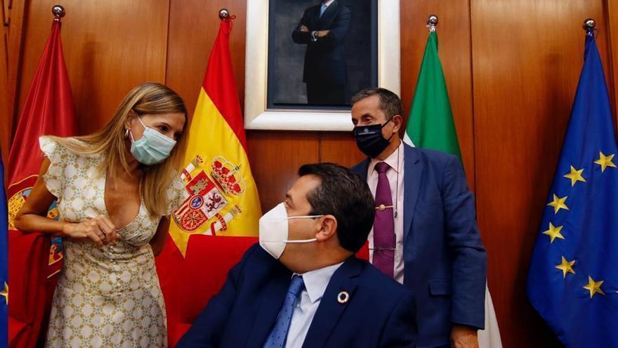 El alcalde pide a los cordobeses que sigan usando las mascarillas