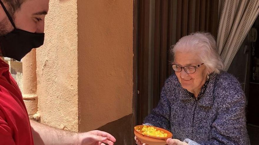 Más de 600 mayores de Almassora recibirán arroz de les Calderes este sábado