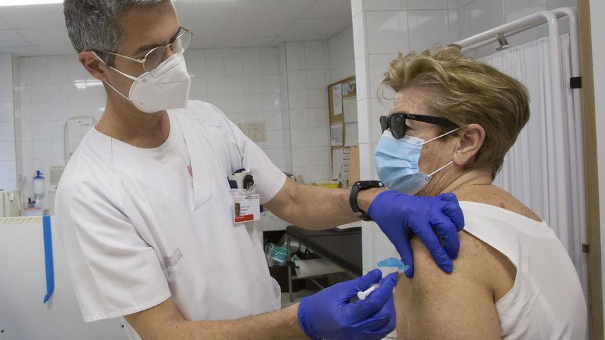 """""""La vacuna del covid lo que tenía que quitarme es la artrosis"""""""