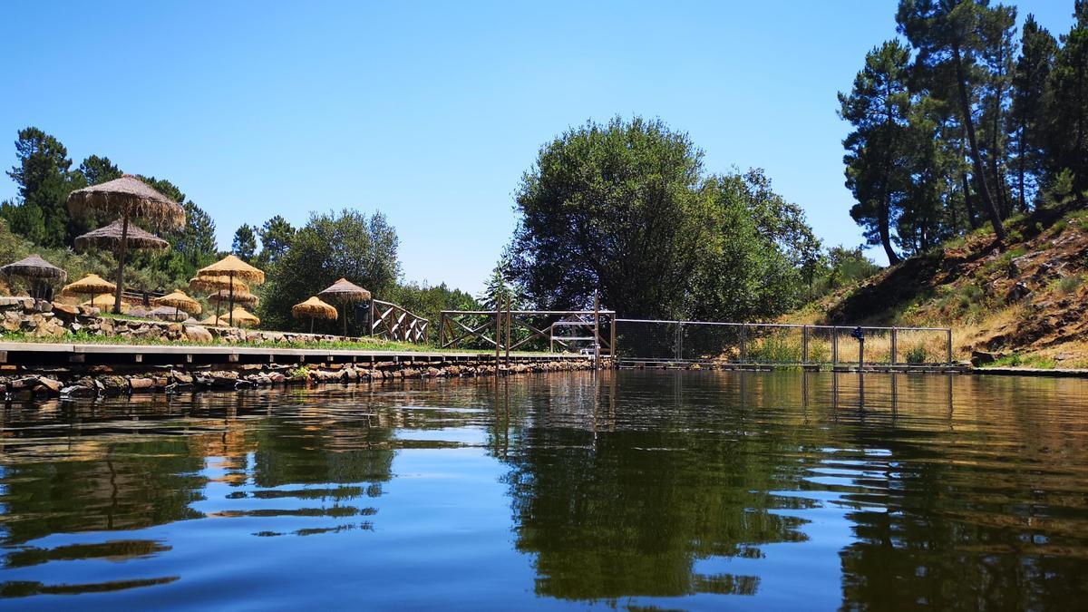 Torre de don Miguel abre su piscina natural