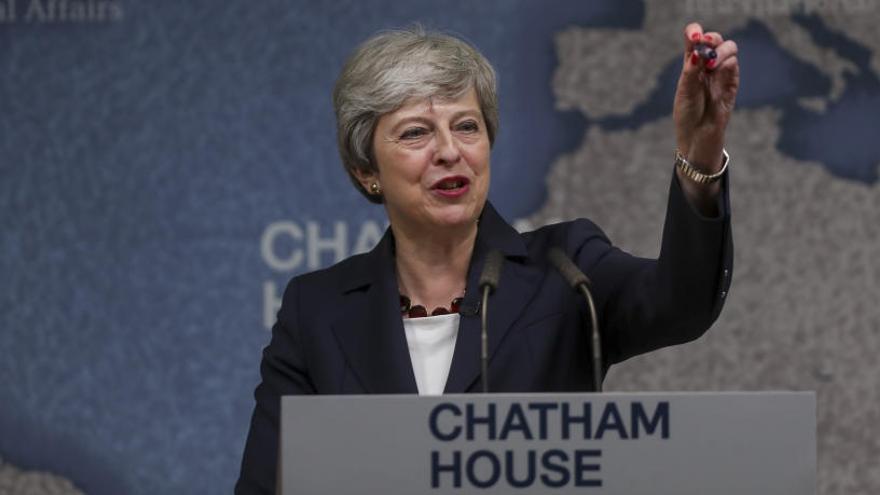 May, preocupada por la polarización del Reino Unido