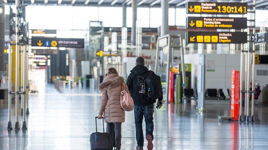 La patronal de la provincia analiza este martes el futuro del aeropuerto de Alicante-Elche en la etapa poscovid