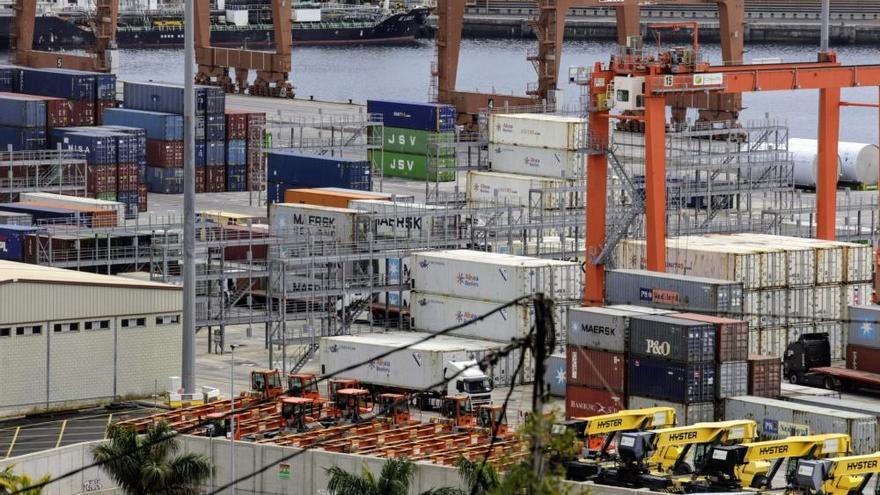 Puertos de Tenerife garantiza el suministro de productos