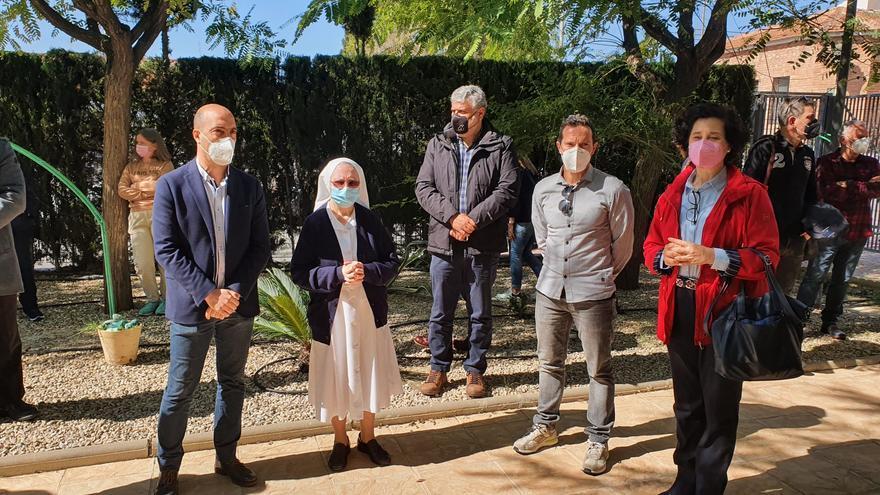 Molina de Segura honra a los muertos por covid en las residencias