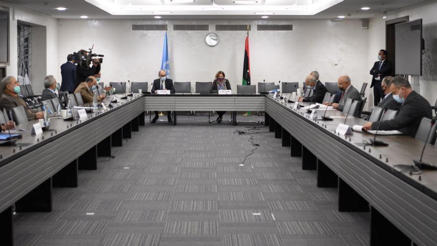 Libia acuerda un alto el fuego permanente en todo el país