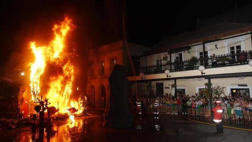 San Vicente elige entre 14 candidatas a las Belleas del Foc tras un año sin Hogueras