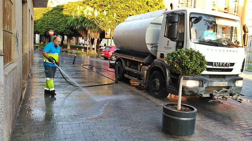 El nuevo contrato de limpieza y recogida de basura de San Vicente costará un 30% más