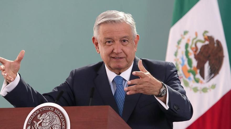 """El presidente de México dice que el dinero que recibió su hermano eran """"aportaciones"""""""
