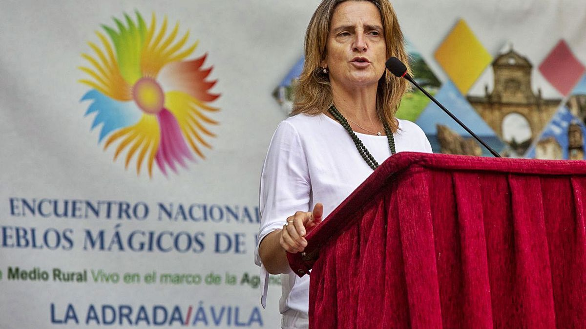 La ministra Teresa Ribera, ayer en la provincia de Ávila donde anunció la partida presupuestaria.   Ical