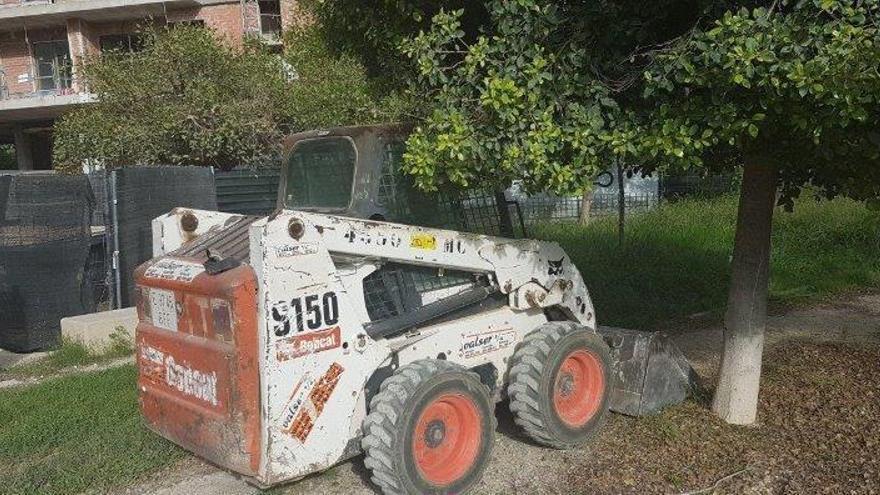 Multan con 27.500 euros a dos  empresas por destrozar un jardín
