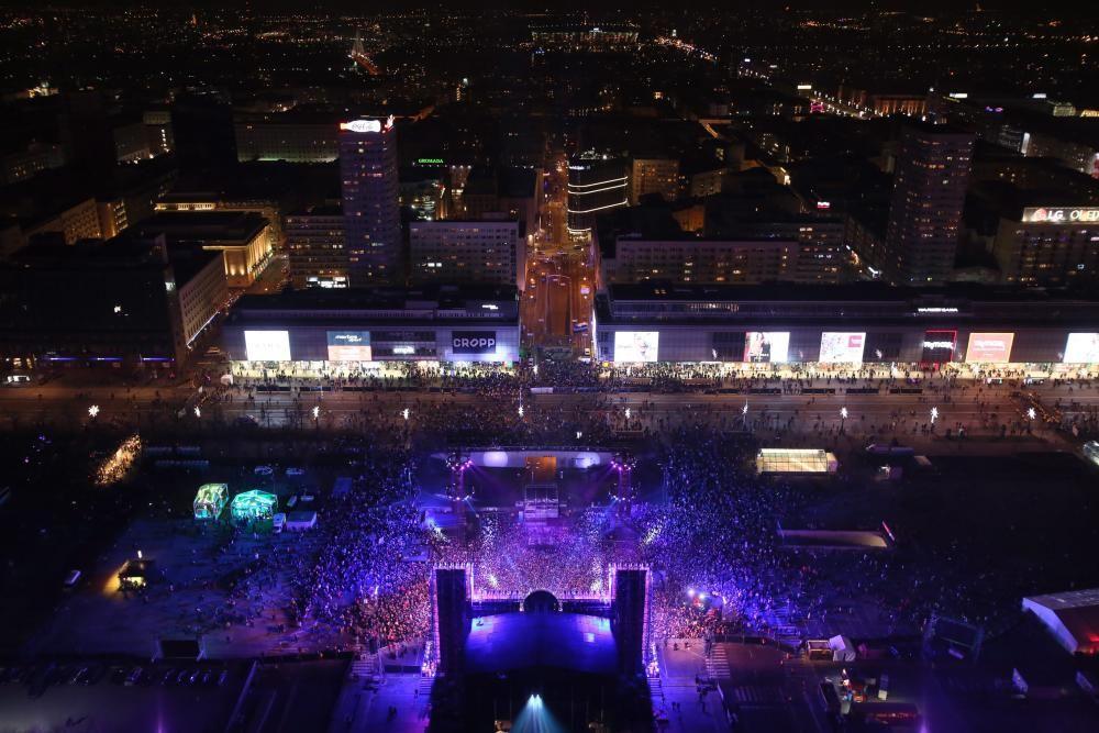 Espectacular iluminación en Varsovia, Polonia.