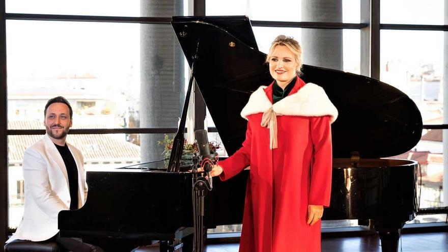 Ainhoa Arteta graba una versión del villancico 'Campana sobre campana' en apoyo de Cáritas