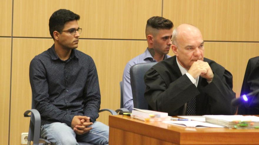 Los acusados de estrangular a un hombre en Sot de Chera se culpan mutuamente