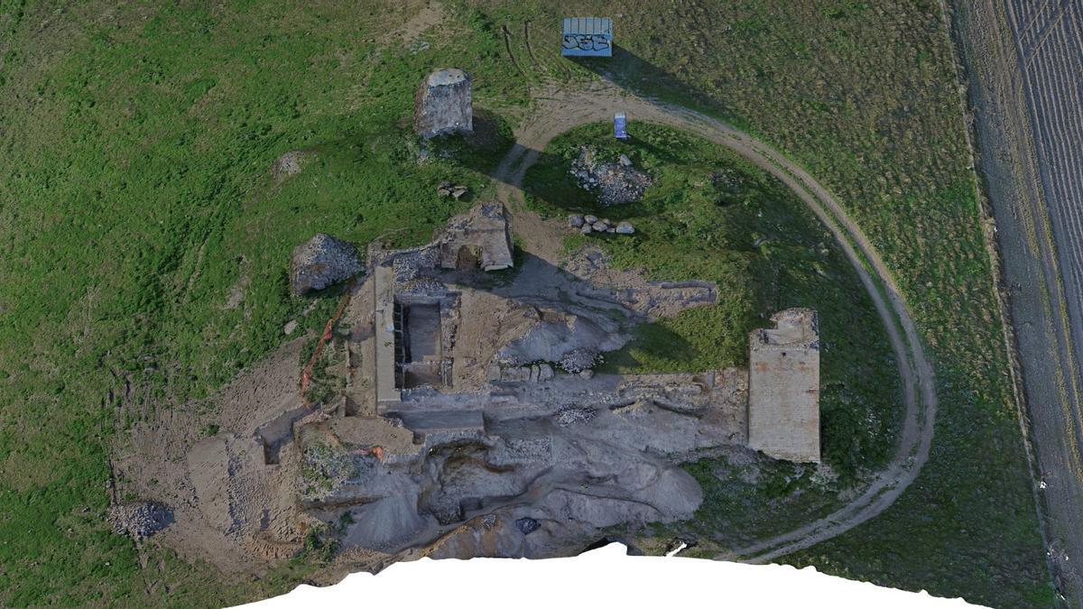 Estado actual en el que se encuentran los restos de la fortaleza montemayorense.
