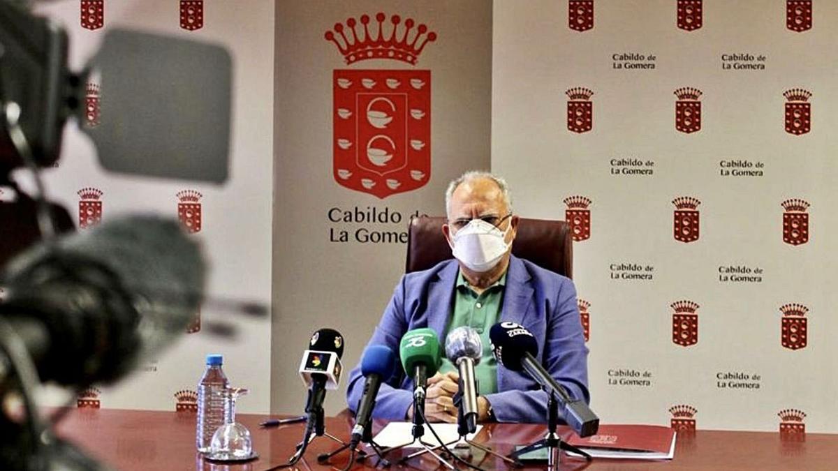 El presidente del Cabildo de La Gomera, Casimiro Curbelo.