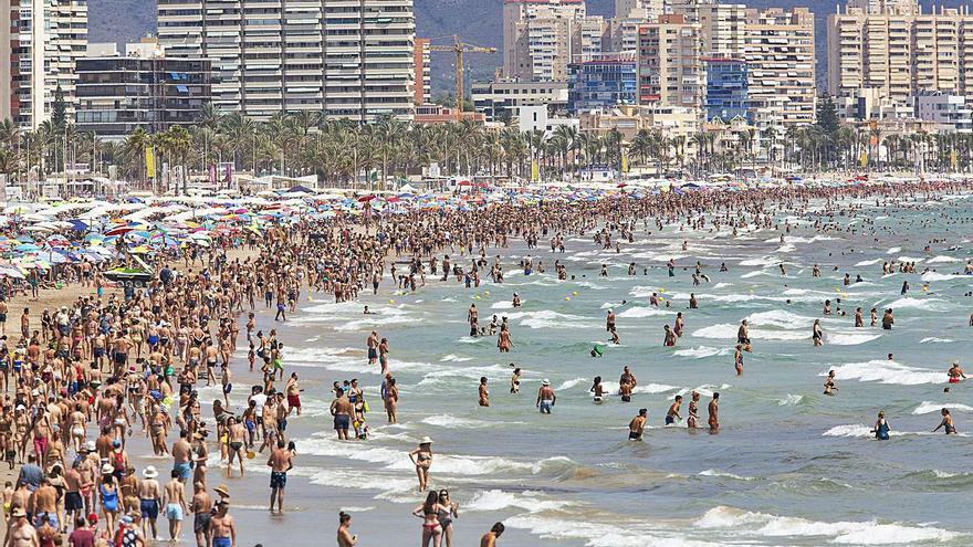 La pandemia reduce la dependencia  del turismo valenciano de Reino Unido