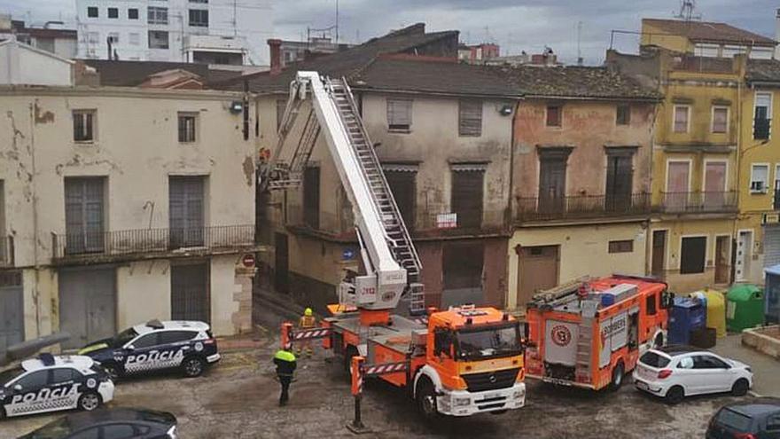 Nuevos desprendimientos elevan el riesgo de caída de la histórica casa de Alberic