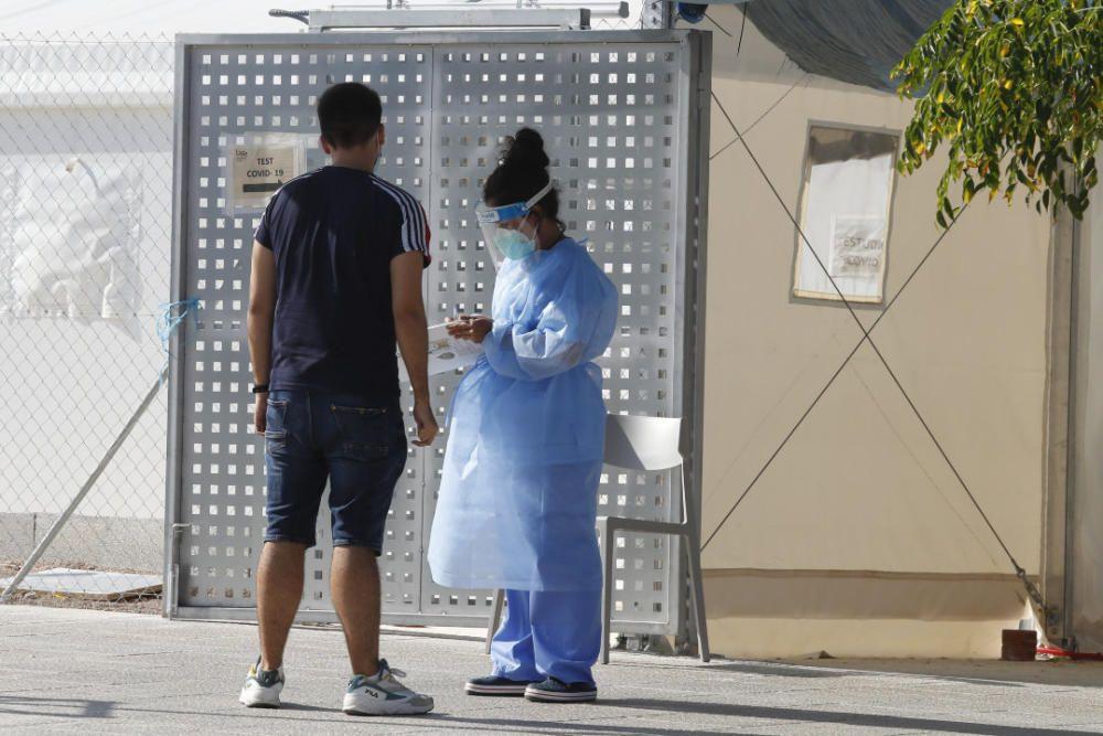 Pruebas PCR a los clientes de dos discotecas con contagios en València